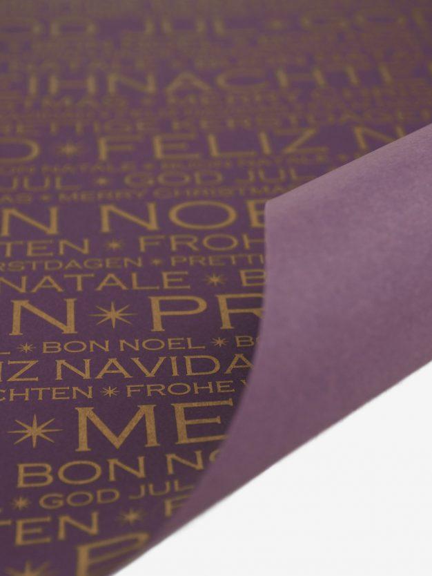 geschenkpapierbogen-aubergine-mit-frohes-fest-gold