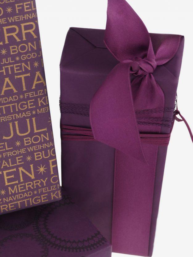 geschenkpapierverpackung-aubergine-uni